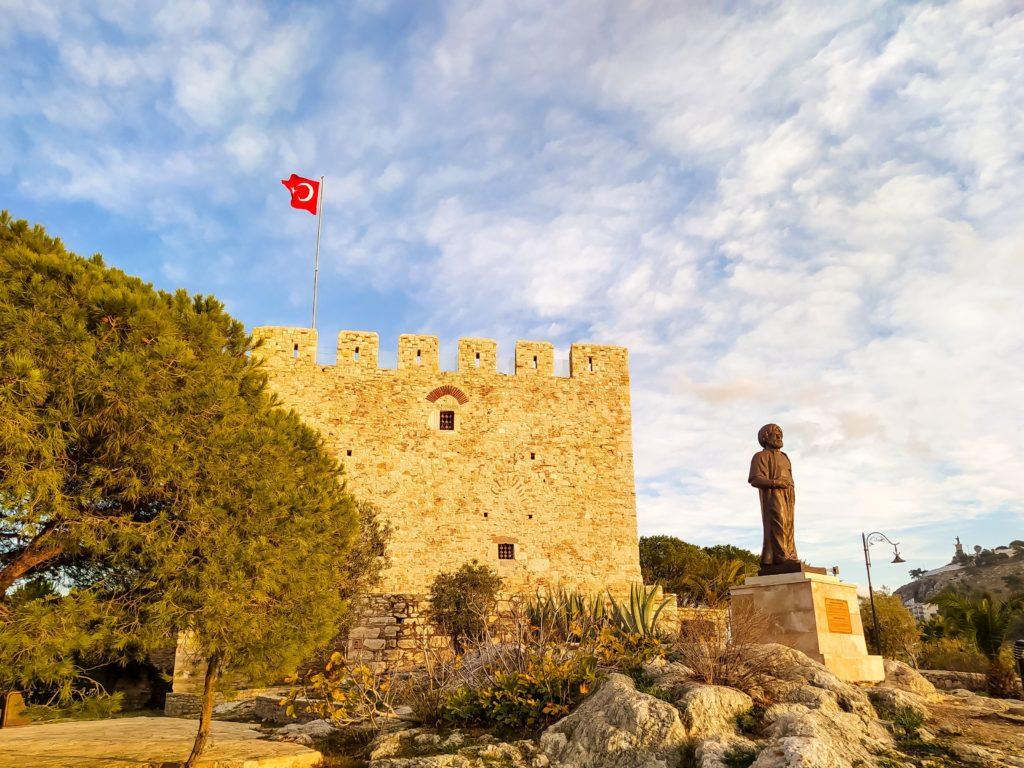 Хайреддин Барбаросса памятник