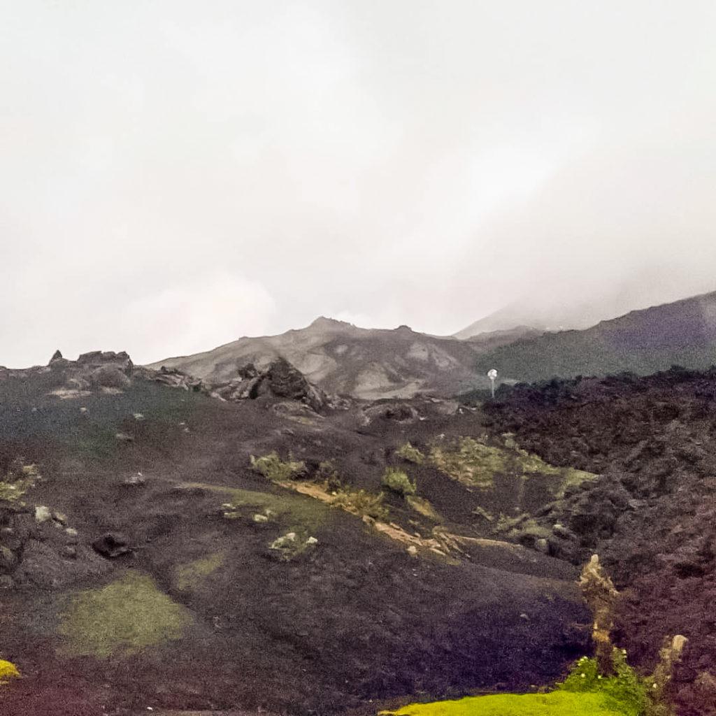 Вулкан Пакая лавовые поля