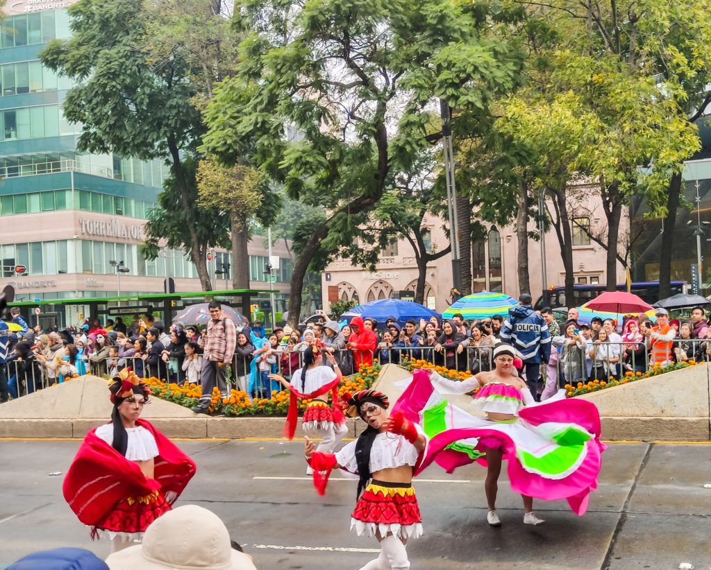 День Мёртвых  мексиканские красавицы
