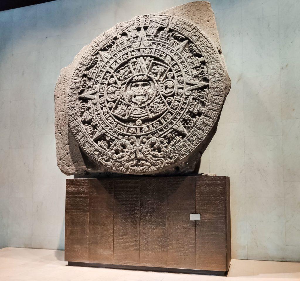 Камень Солнца майя