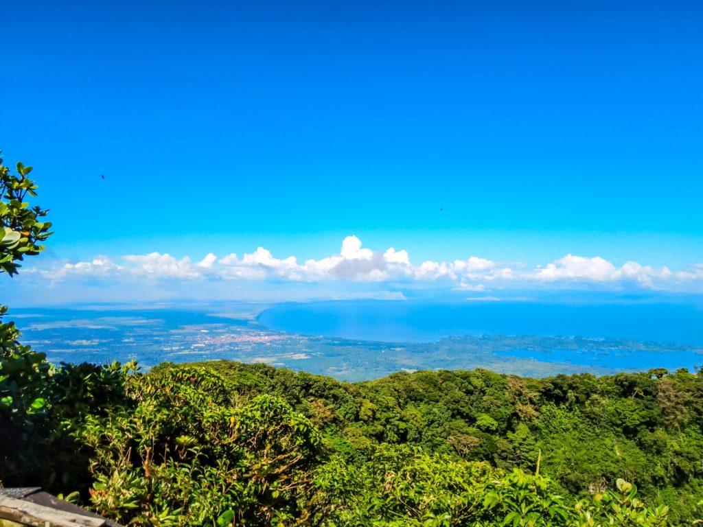 Вид с вулкана Момбачо на озеро
