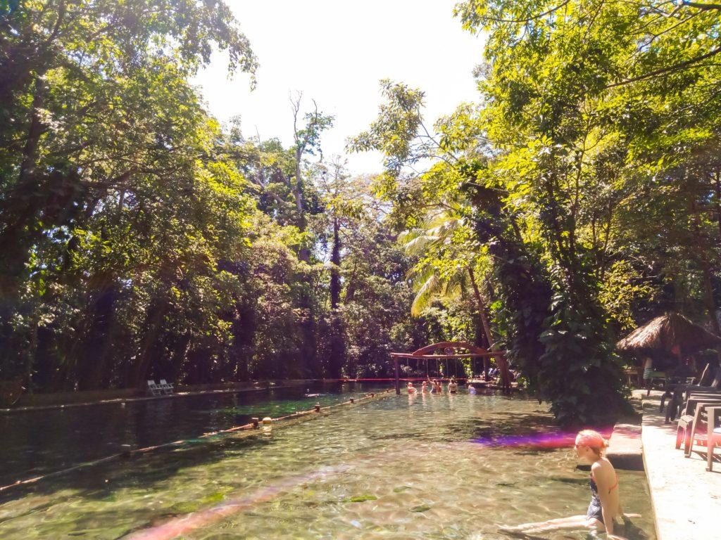 Бирюзовая лагуна на острове Ометепе