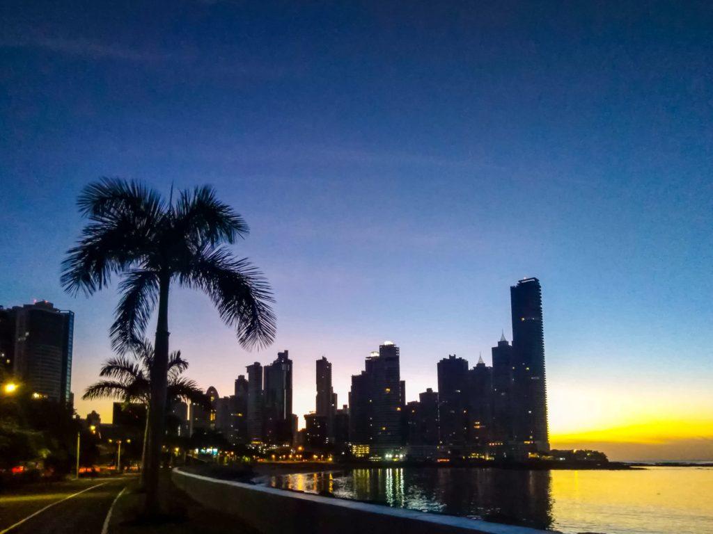Ночная Панама