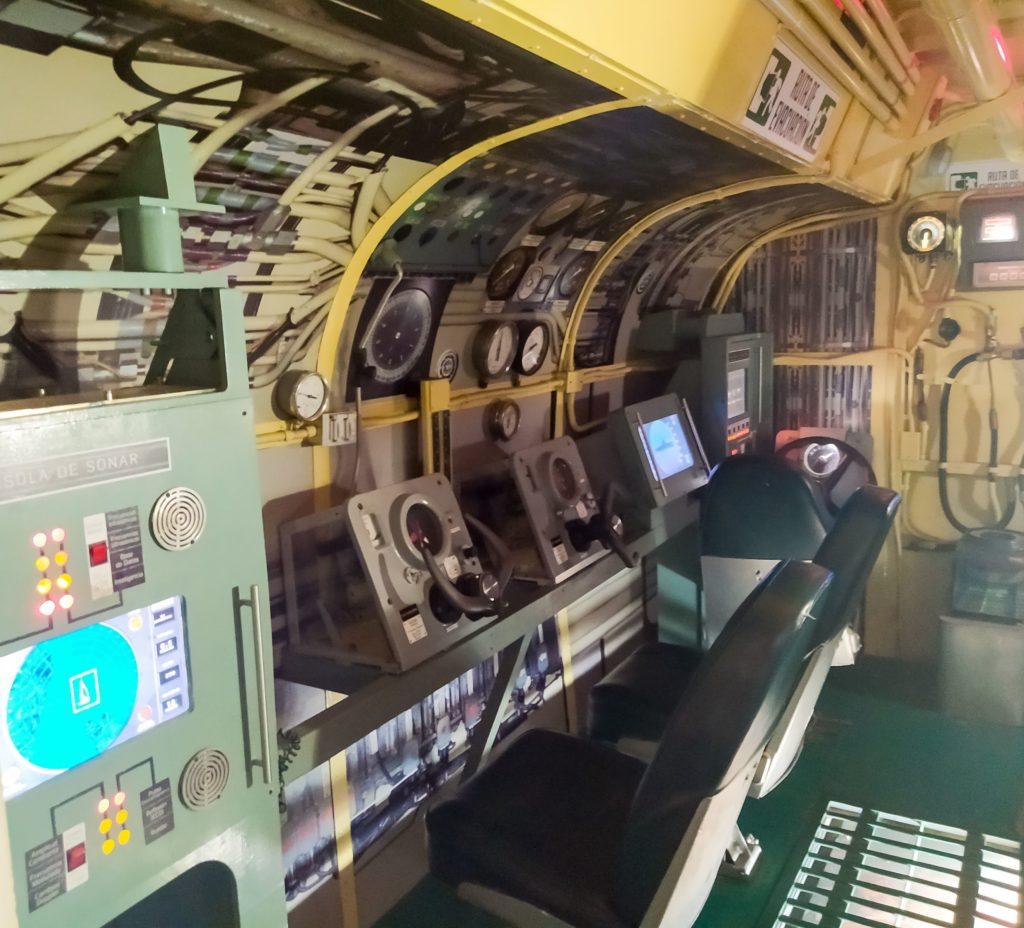 Рубка подводной лодки в Военно-Морском музее