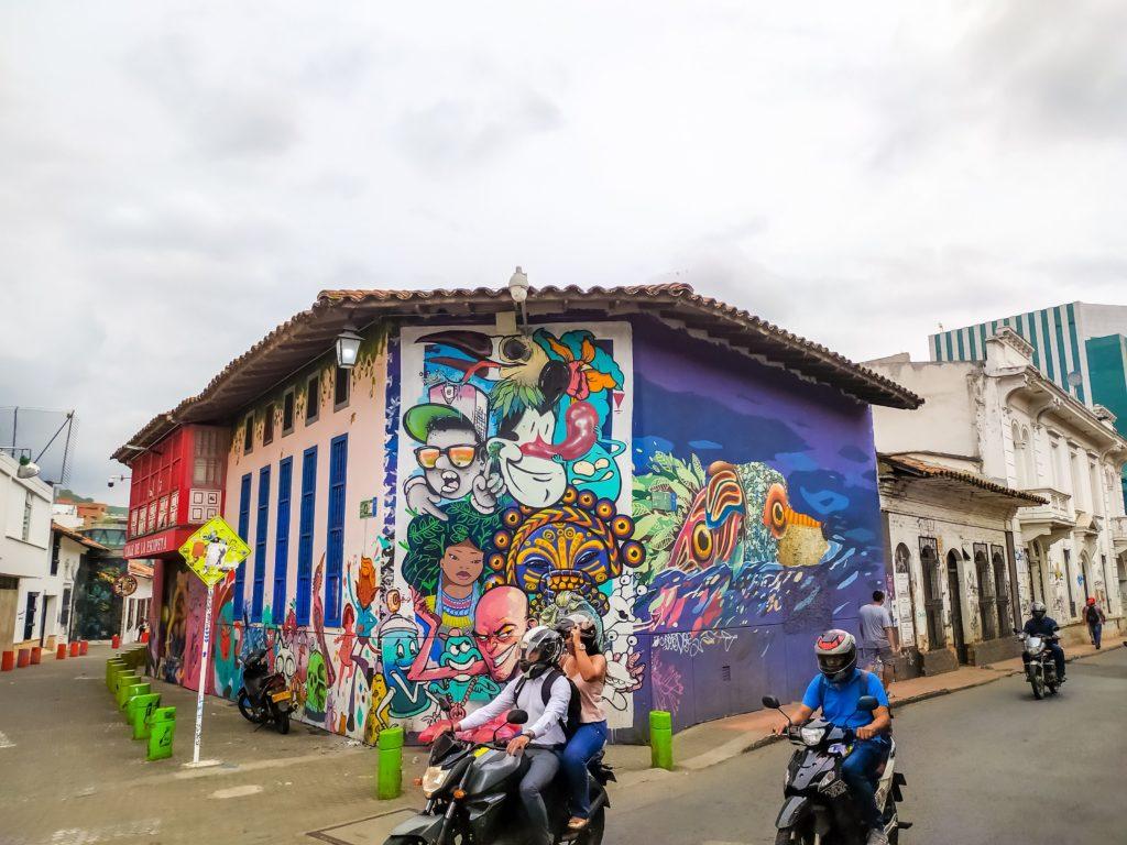 Граффити в Кали