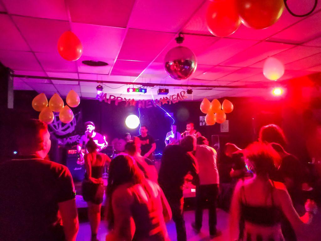 Коулмбийский Панк-рок концерт