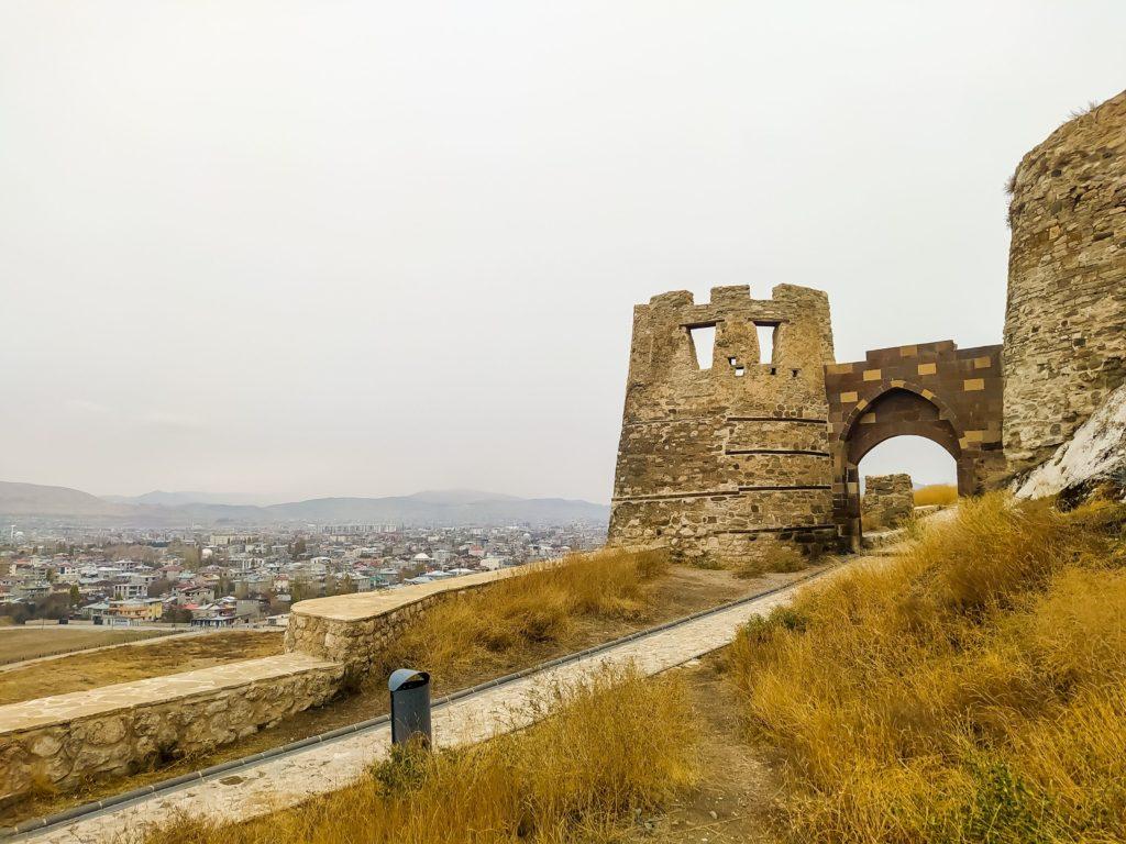 Ворота в крепость Тушпа