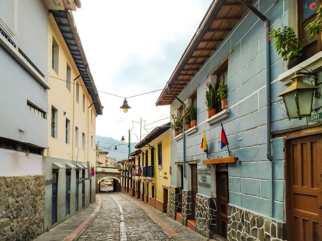 Кито узкие улицы