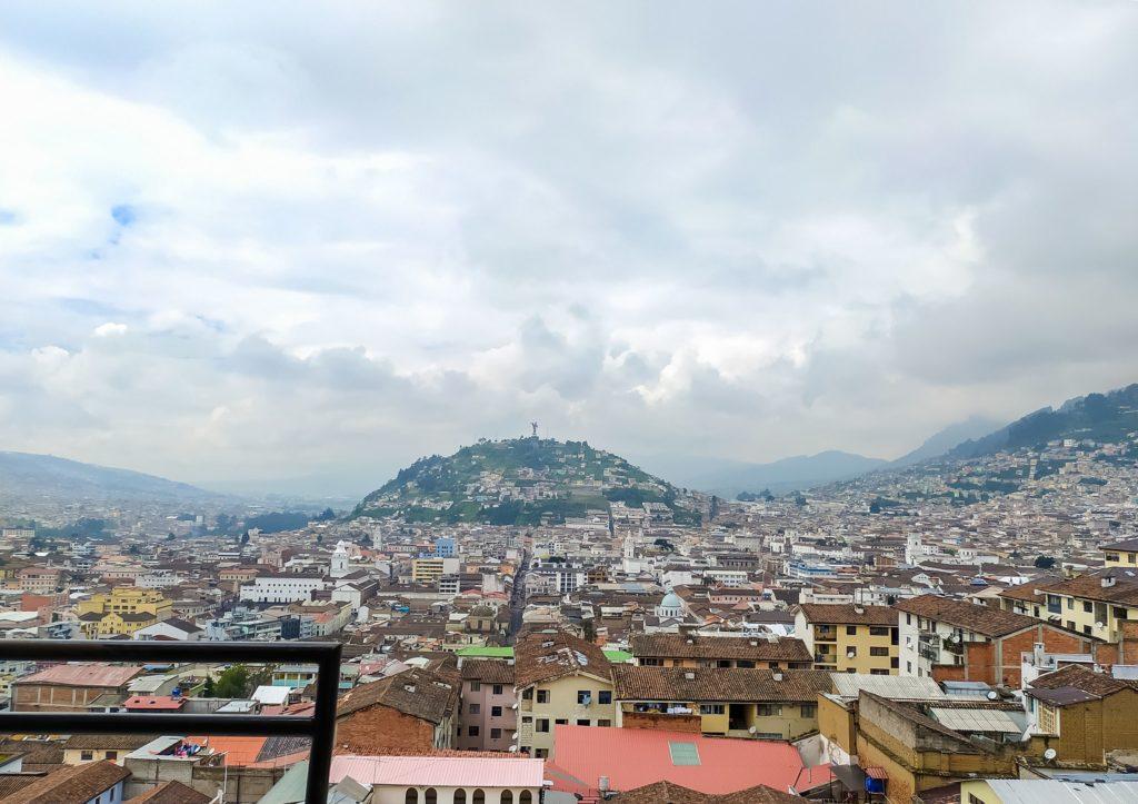 Кито вид на город с базелики