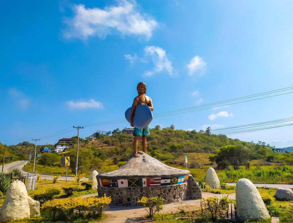 Памятник сёрферам