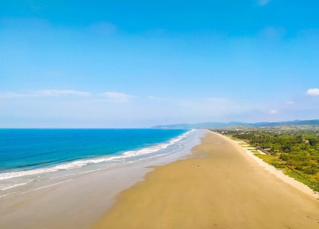 Монтанита пляж Олон
